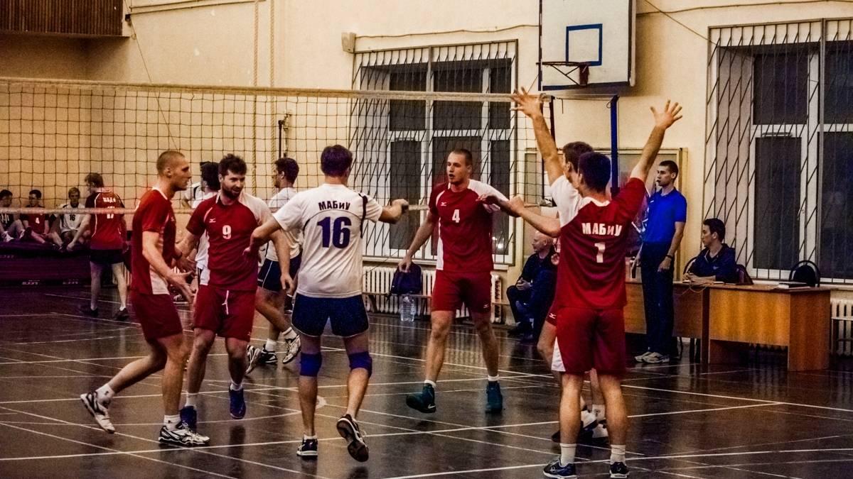 6 марта мужская сборная МАБиУ по волейболу выиграла со счетом МАБиУ — МАДИ 3:1