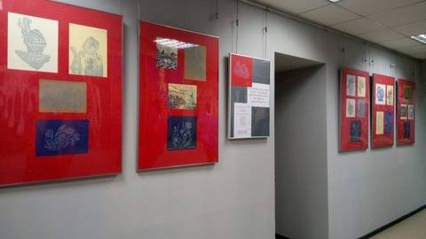 """В Институте дизайна и рекламы МАБиУ открылась Пасхальная выставка, посвященная участию наших студентов в Благотворительном фестивале """"Белый цветок"""""""